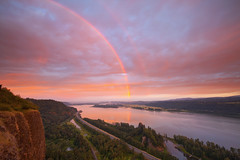 Columbia River Rainbow (Jesse Estes) Tags: sunrise rainbow photographers lazy columbiarivergorge jesseestesphotography