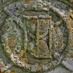 Ouroboros (Uroborus) and timer (Leo Reynolds) Tags: church cemetery canon eos iso100 snake squaredcircle churchyard serpent 105mm ouroboros cemeterysymbol uroborus f110 0013sec 40d hpexif groupcemeterysymbolism sqset042 xleol30x xxx2009xxx