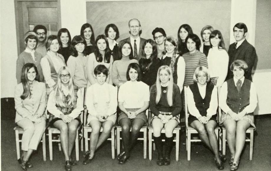 Трах в попу молодую учительницу фото 21 фотография