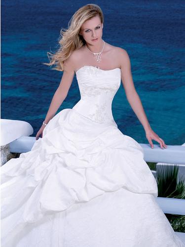sexy-beach-wedding-dress-with-corset-1c