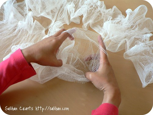 Tube netting from bath puff