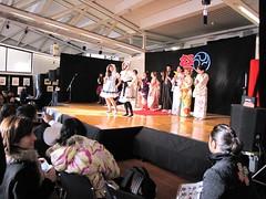 Vestizione di Kimono e abiti gothic-lolita (LAILAC Associazione Culturale Giapponese) Tags: mostra festival villa firenze kimono taiko mercato calligrafia giappone nihon giapponese fg cerimonia strozzi bonodori limonaia buyo artigianato cucinagiapponese manjushaka lailac festivalgiapponese mangiappone