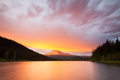 Trillium Lake (Jesse Estes) Tags: sunset oregon mounthood trilliumlake jesseestesphotography