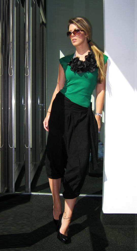green-black-harem-flower-necklace-6