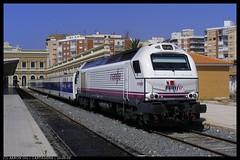 El Talgo 264 en Cartagena (06/2009) (aarongilp) Tags: barcelona valencia train tren zug alicante murcia prima cartagena treno caracol tog agp comboio renfe talgo alacant 334 adif pendular vossloh