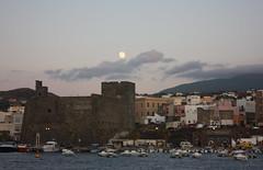 al primo chiarore della luna (Beppe Modica) Tags: sky italy moon architecture italia mare luna cielo sicily colori luce sicilia pantelleria sizilien sicilie anawesomeshot lifetravel canoneos450ditalia