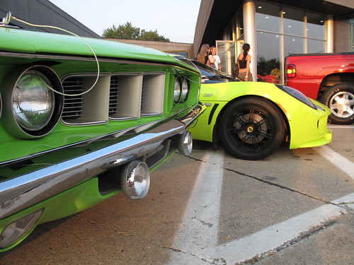 Plymouth 'Cuda & Lotus Exige