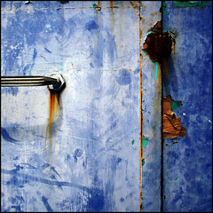 (Katerina.) Tags: blue abstract texture rust urbandecay bluebrown 500x500 doordetail haphazart haphazartblue ministract haphazartsquare haphazartindigo