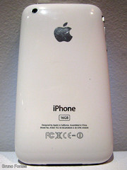 Foto da traseira do iPhone 3GS