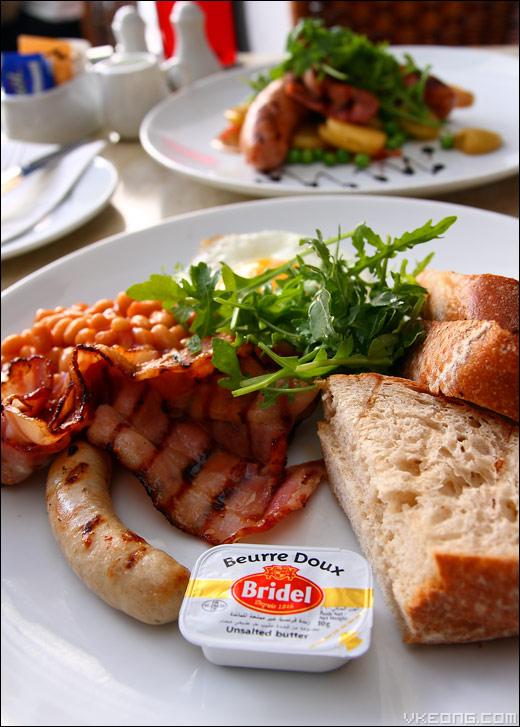 bacon-sausage-bread