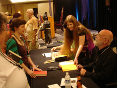 Discworld Con Friday: Me! Getting my books signed by Pratchett! (3 of 3)