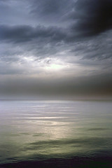 Pearl (FM54TO) Tags: sea sky water clouds grey evening nuvole mare grigio cielo pearl perla acqua sera