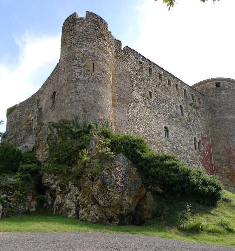 Château de Busséol (Puy-de-Dôme, France) par Denis Trente-Huittessan