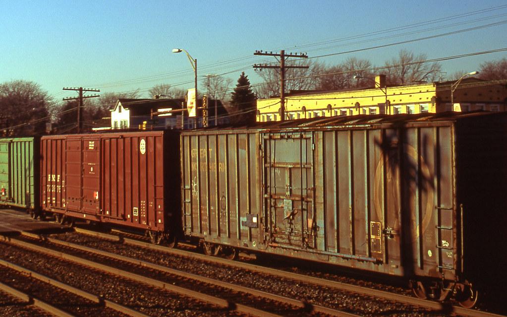 12-99 GN Boxcar Westmont, IL