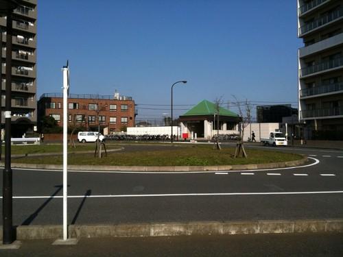 秋山駅ついた。何もない。マクド的なのもない。