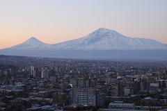 Sunrise over Yerevan / Երեւանի արեւածագը (Seroujo) Tags: mountain skyline sunrise canon eos 50mm cityscape snowcapped mount armenia yerevan ef masis ararat 500d հայաստան massis երեւան արարատ երեվան մասիս t1i լեռ արեւածագ սար