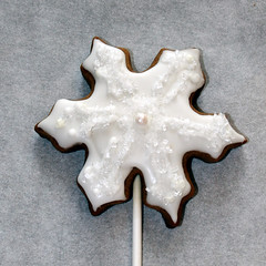 Pure (alicakescupcakery) Tags: snowflake cookie gingerbread pearl whitesnow alicakes alicakescupcakery