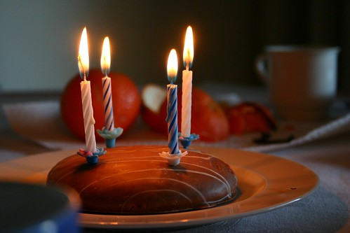 Mini birthday cake by tillwe, on Flickr