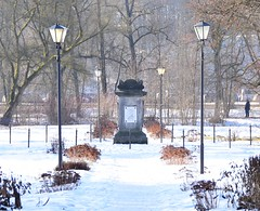 Memorial to Queen Luise of Prussia (:Linda:) Tags: germany thuringia town hildburghausen snow lamppost park memorial königinluise tree
