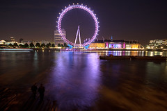 The London eye (Serendipity) Tags: england wheel thames night river londoneye riverbank embankment illuminate londonnight