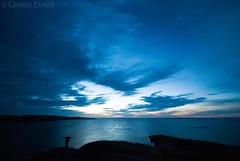 Freedom (-Camilla) Tags: longexposure sunset cliff seascape evening sailing sweden silouette balticsea bluehour cloudscape sigma1020mm stockholmarchipelago sofialinnea nikond80 lngskr