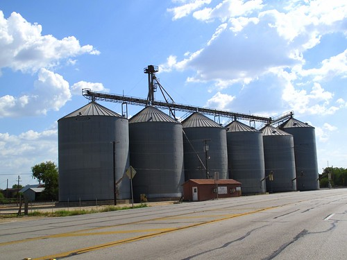 Silos in Thorndale by rutlo, on Flickr