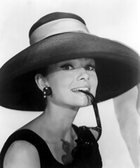 portrait hat biting earrings eyeglasses catalogue balkinkaren hepburnaudrey ornamentsandaccessories 1950sportraits 1961cataloguetitles filmsbyblakeedwards