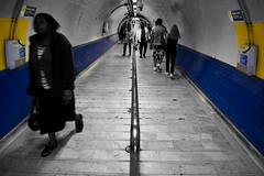 (jordi.martorell) Tags: street uk urban london cutout underground geotagged vanishingpoint nikon candid tube tunnel guessed tunel guesswherelondon 1855mmf3556g finsburypark puntodefuga gwl greggorman d40 cruzadas nikond40 guessedbymisterpeter