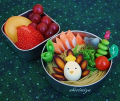 Chasoba Bento (sherimiya ) Tags: school cute fruit tomato lunch kid strawberry sheri plum grapes soba bento greentea edamame cha obento surimi quailegg firstgrader purplecarrots oceansalad sherimiya