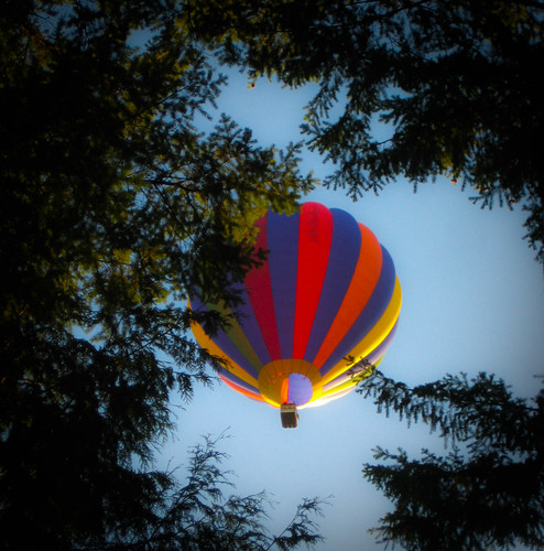 Balloon Peeking
