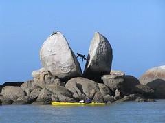 Sea kayaking, Abel Tasman, New Zealand (Sweppy) Tags: newzealand abeltasman seakayaking abeltasmannationalpark