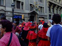 Correfoc dels Juvenils (Sam Kelly) Tags: barcelona city travel espaa spain europa europe fuji streetphotography ciudad catalonia catalunya catalua correfoc ciutat merc espanya merc lamerc festesdelamerc fiestasdelamerc fujis9600 firerunning lamerc2009 correfocdelsjuvenils lamerc2009
