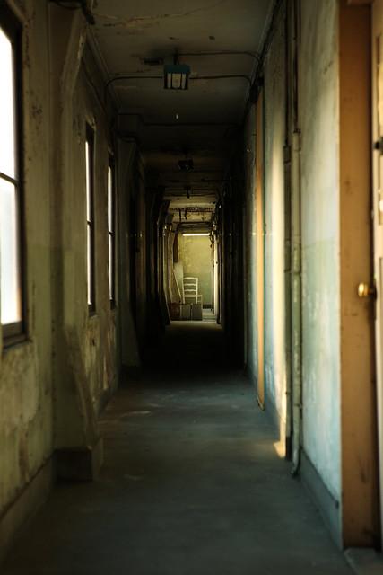 廊下の荒廃