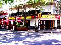 bar de avenida las flores montevideo 2