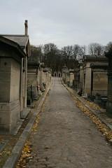 2009-11-21-PARIS-PereLachaiseCemeterie2