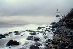 Maritime feast ...... (Nicolas Valentin) Tags: sea lighthouse beach stone scotland ecosse cloch firthofclyde clochlighthouse
