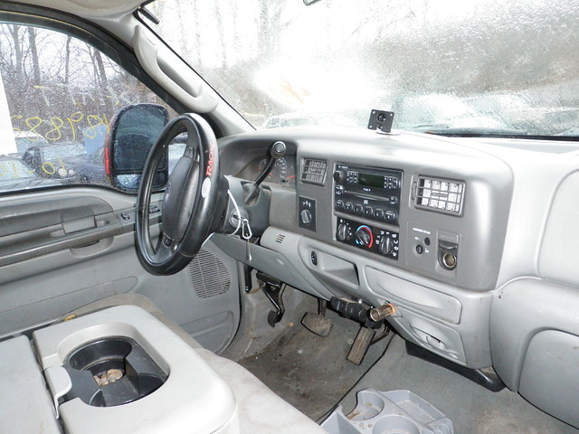 ford 2004 diesel 04 interior pickup fordtruck f250 superduty ecas powerstroke eastcoastautosalvage 0408p9