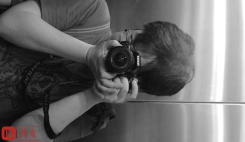 我用镜头挡住了我自己