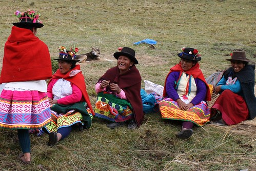 Putis women sharing a laugh