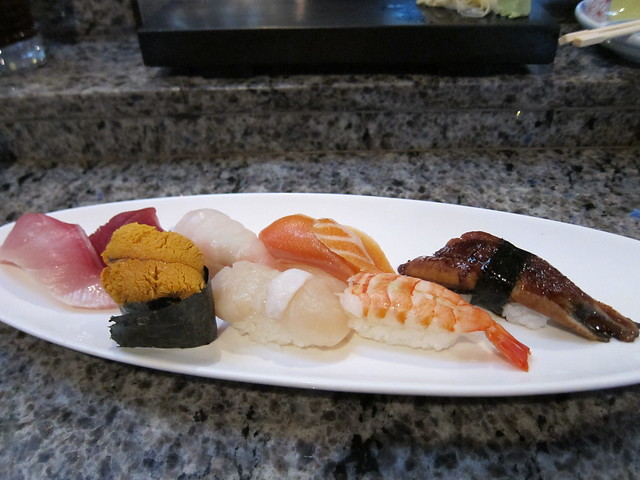 Sushi Combo B  Ebi, Hottate, Uni, Unagi, Sake, Hamachi, Maguro, Tai