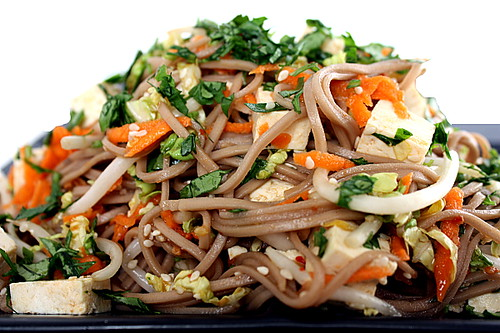 soba noodles with tofu and vegetables