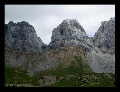Achar de Alano (2075 m.) y paso de Taxeras