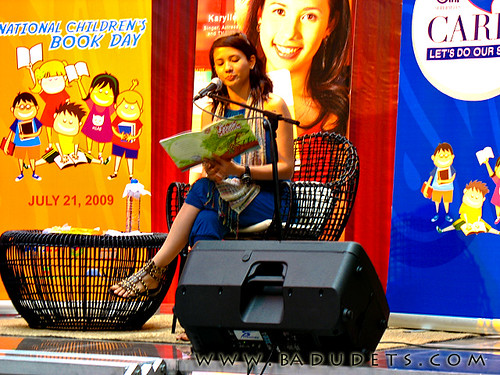 Karylle narrating a Tagalog story, Si Pagong at si Matsing
