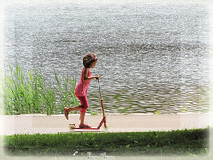Vive les vacances ! Happy time ! (Lara-queen) Tags: summer lake canada reflection nature water canon vacances soleil eau quebec montreal lac explore t montroyal ete 2007 soleilsun montrealais canonpowershota530 todaysbest wonderfulworlmix photoquebec quynhvu laraqueen