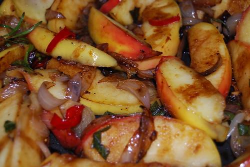 lamskarbonaajes met appel en ui