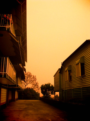Duststorm in Brisbane, 12.30pm