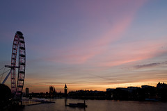 Dusk across the Thames (Gary Kinsman) Tags: pink light red sky orange london eye westminster thames river dusk housesofparliament canon5d 2009 available hungerfordbridge palaceofwestminster londonist existing sigma20mmf18
