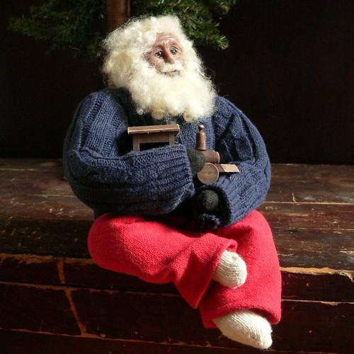 Reminisce Primitive Santa