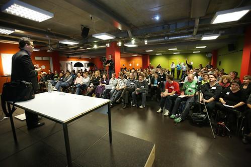 Joos de Valk tijdens zijn presentatie WordCampNL 2009 - 170 bezoekers.