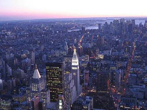 Manhattan skyline, from Empire State Building (by: Mike Lee, creative commons license)